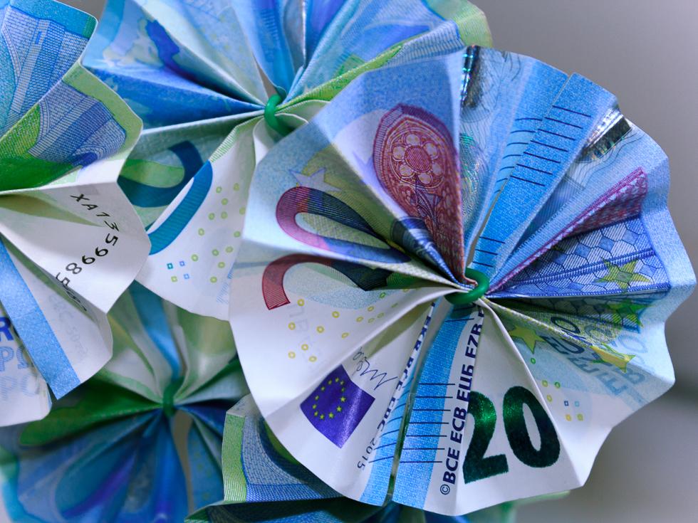 Origami Blumenstrauss aus 20-Euroscheinen