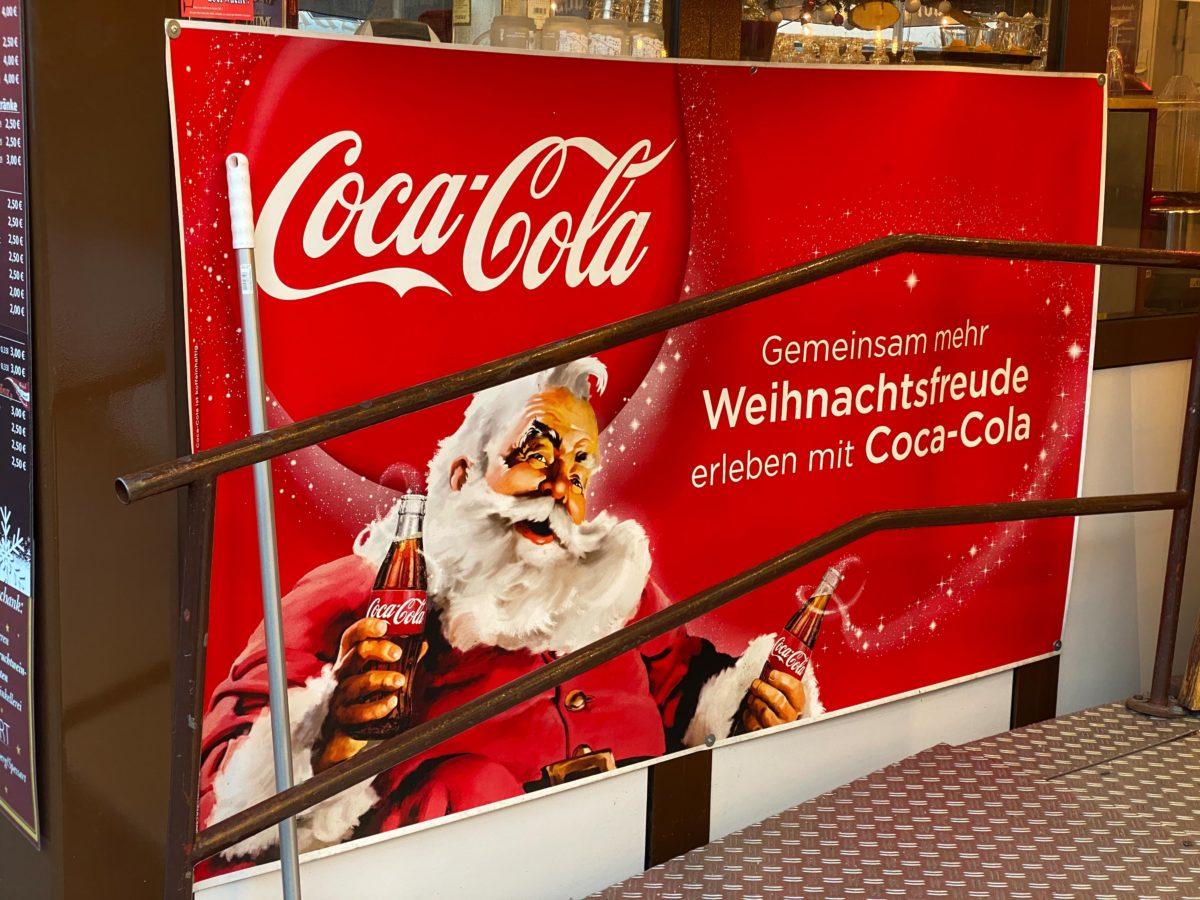 Die Weihnachtsaktie zahlt Dividende, eine andere erhöht ihre deutlich!